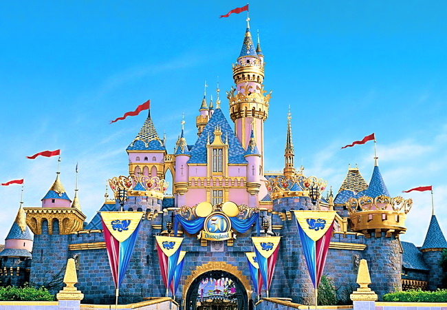 tour-hong-kong-disney-land-divine-worship-3-days-ek